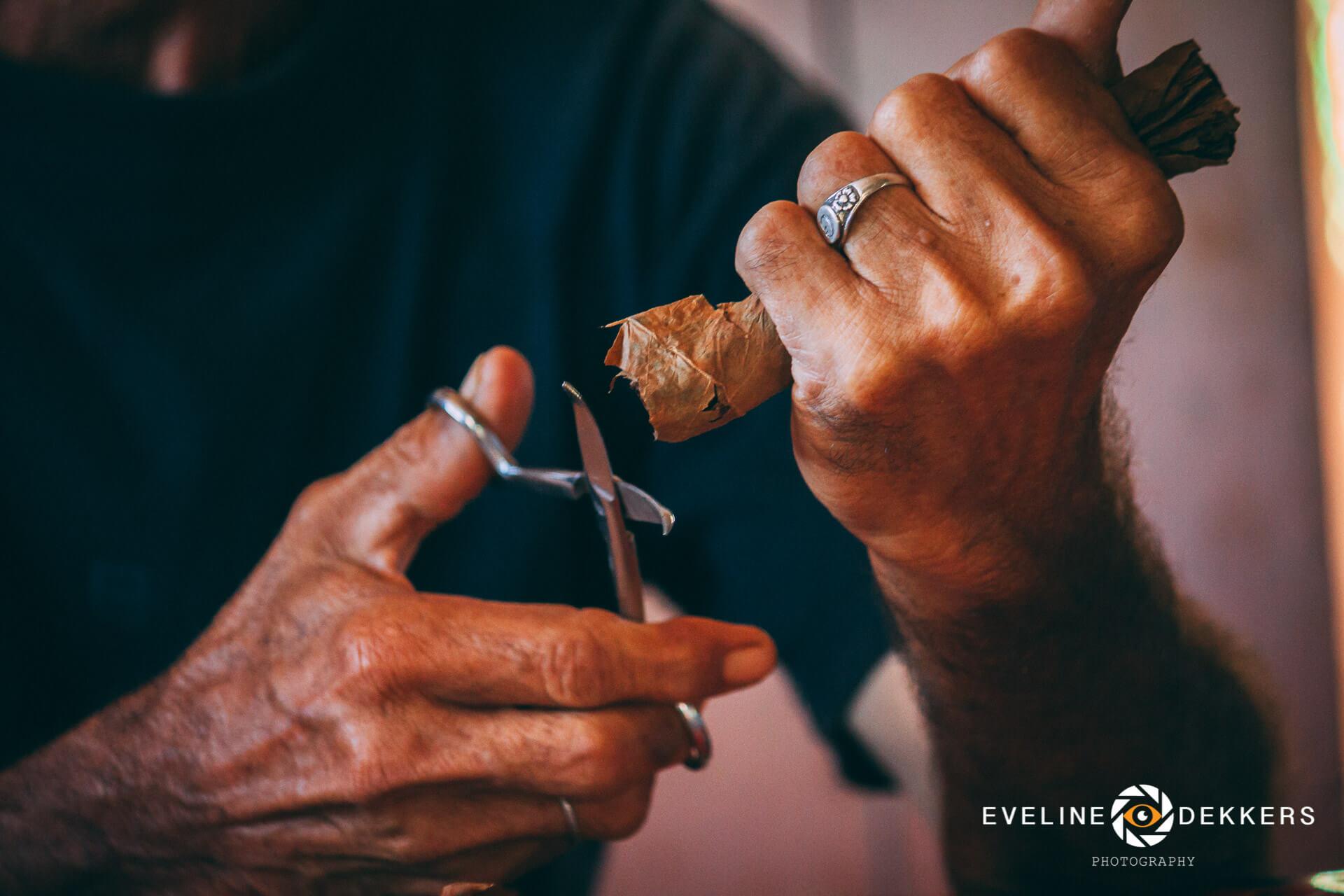cigar-cutting-cuba